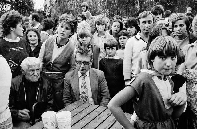 Z cyklu Letmá setkání. Praha, Park kultury a oddechu Julia Fučíka, 18. září 1983. Foto: Josef Chuchma